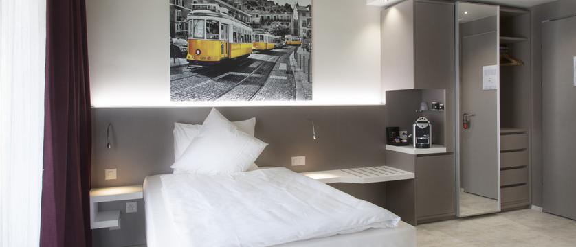 city-hotel-single-comfort-contracted.jpg